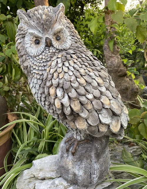 Garden Statue Nature Round Wood Owl Sculpture for Patio Lawn Yard Decor AF0471